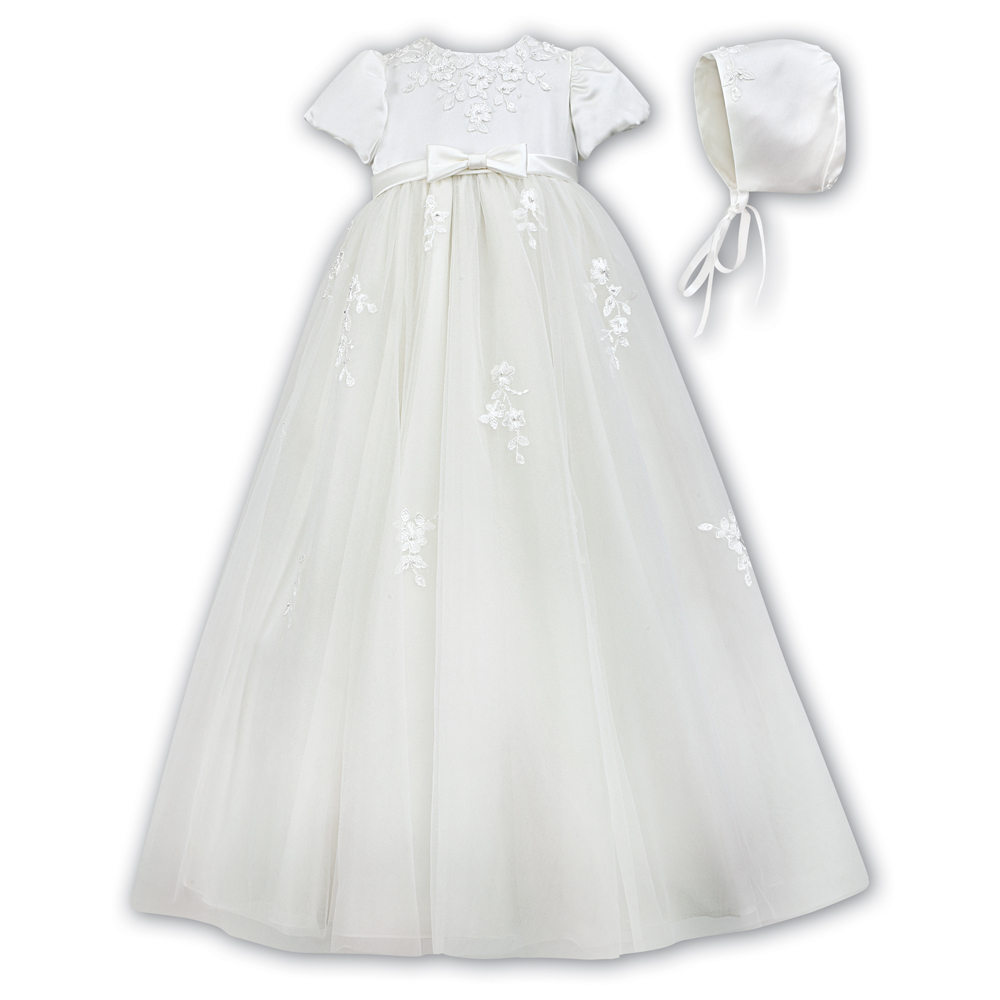 Sarah Louise Christening Gown & Bonnet – 001054